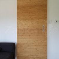 Posuvné dveře po stěně, dýha bambus