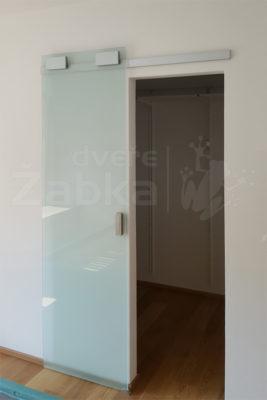 Skleněné posuvné dveře posuvné po stěně